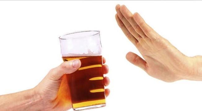 Jika Tak Ingin Minum, Hindari Minum Minuman Beralkohol