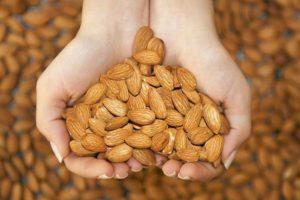 Kacang Almond Bisa Atasi Gangguan Pencernaan