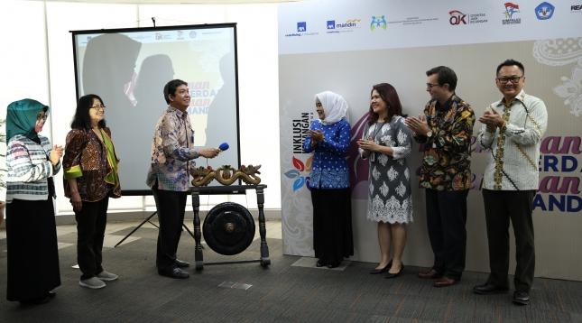 AXA Anugerahkan Penghargaan Buat Agen Perempuan Berprestasi