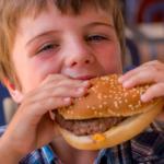 Iklan Makanan Cepat Saji Memengaruhi Pilihan Makanan Anak-anak