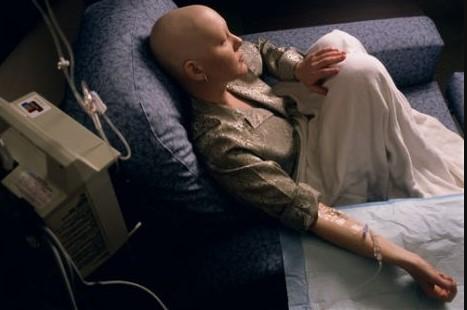 Berbahaya, Jika Pasien Kanker Mengonsumsi Kemoterapi dan Obat Herbal