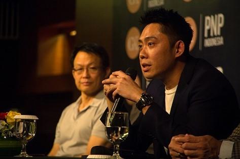 """Plug and Play (PnP), salah satu startup accelerator di dunia dan yang hadir yang hadir di Indonesia mengaku siap untuk terus mendanai startup-startup di Indonesia melalui program akseleratornya. PnP diketahui telah berinvestasi di lebih dari 2,000 startup di seluruh dunia. Beberapa alumni global Plug and Play adalah Dropbox, Lending Club, dan Paypal. Di Indonesia, Plug and Play yang bekerja sama dengan Gan Konsulindo (GK) telah meluluskan 9 startup batch pertamanya, seperti Astronaut, Brankas, Bustiket, DANAdidik, Karta, KYCK, Otospector, Sayurbox, dan Wonderworx pada September lalu. Hingga saat ini, pihak Plug and Play Indonesia terus aktif mencari startup potensial di Indonesia untuk masuk ke dalam program kami. Setidaknya akan ada lebih dari 200 startup yang mendaftar. """" Kami tidak akan membatasi berapa jumlah yang masuk selama startup tersebut memang berpotensi memberikan dampak positif untuk Indonesia,"""" tutur Wesley Harjono selaku President Director GK – Plug and Play Indonesia (GK – PnP), dalam rilisnya (09/10/2017). Dalam program yang berjalan selama 3 bulan itu, startup terpilih akan mendapatkan berbagai fasilitas. Mulai dari seed funding, mentorship, coworking space gratis, akses ke Silicon Valley, hingga kesempatan kerjasama dengan korporasi. Saat ini, GK – Plug and Play Indonesia diketahui memiliki 4 corporate partners, yaitu Astra International, BNI, BTN, dan Sinar Mas. """"Kami memberikan fasilitas menyeluruh supaya startup-startup ini dapat fokus untuk product development. Harapannya, setelah lulus dari program ini mereka sudah benar-benar siap untuk go-to-market dan menerima pendanaan berikutnya,"""" lanjut Wesley. Ada pun persyaratan umum untuk masuk ke dalam program akselerator GK – PnP cukup simple, yaitu sudah memiliki produk alpha / beta. Selain itu, startup yang mendaftar juga harus berbasis di Indonesia. Hal ini dilakukan mengingat keberadaan Plug and Play di Indonesia untuk mendukung program pemerintah yang ingin menjadikan Indonesia sebagai pusat p"""