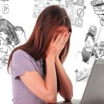 Ini Bahaya Main Media Sosial Bagi Anak Perempuan