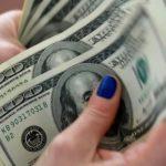 Di Tengah Dolar Yang Fluktuatif, Rupiah Masih Bertahan