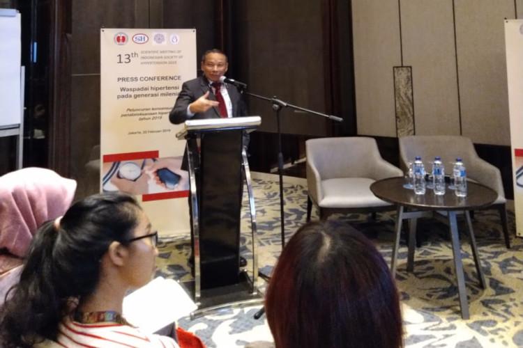 Suhardjono mengatakan penduduk di atas 25 tahun terkena hipertensi