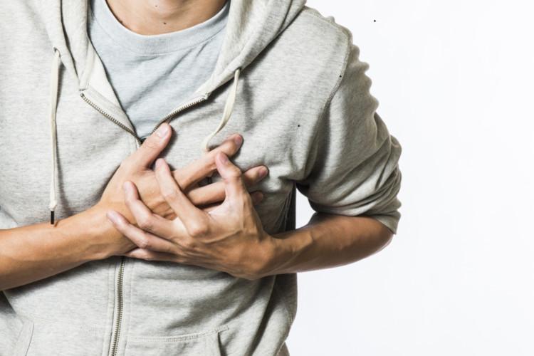 serangan jantung dapat terjadi di perjalanan (