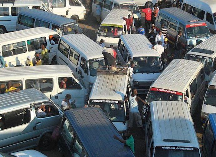 Peretas mengacaukan lalu lintas
