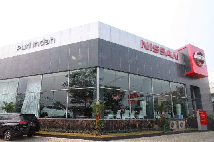 Outlet Nissan di Puri Indah