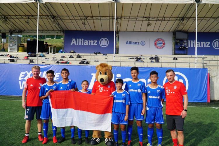 Pesepakbola remaja berbakat versi Allianz