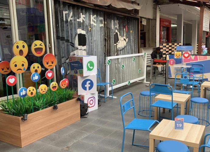 Facebook Cafe di Melawai
