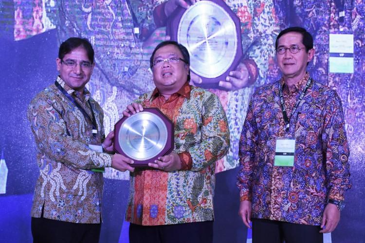 Indonesia mendapat penghargaan Pasar Keuangan Syariah Global