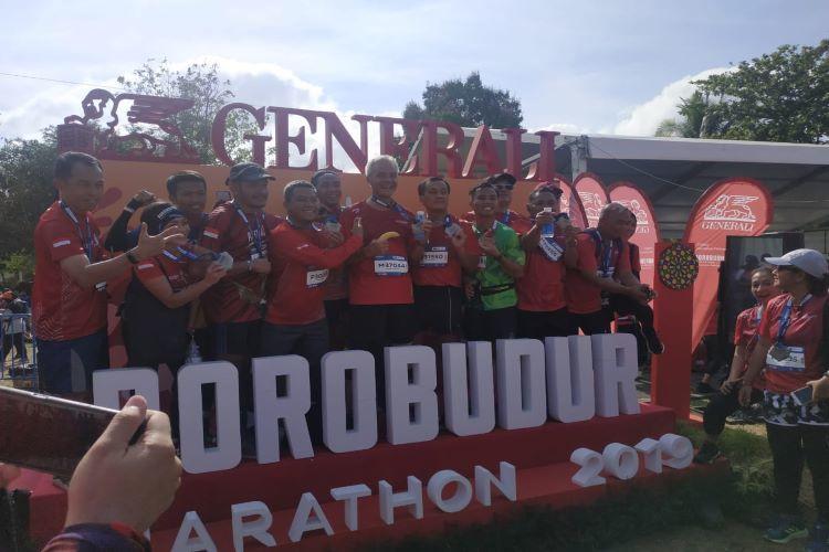 Ganjar Pranowo di antara peserta Borobudur Marathon 2019