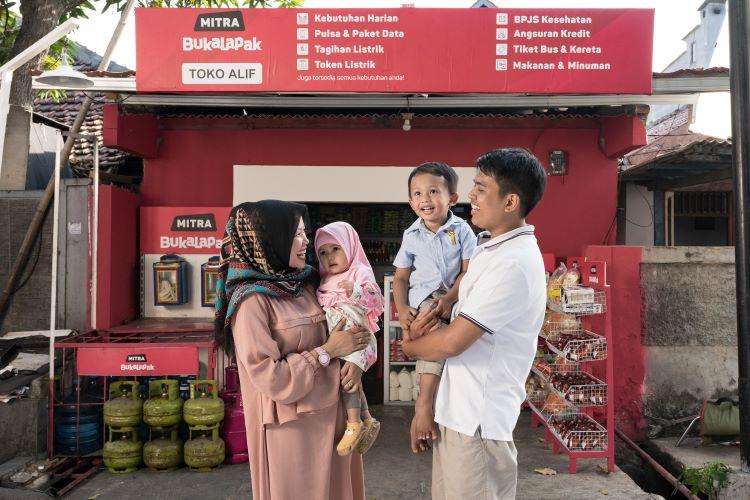 Keluarga Buhari Pemilik Warung Mitra Bukalapak