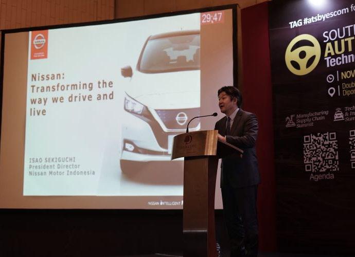 Isao Sekiguchi, Presiden Direktur PT Nissan Motor Indonesia, berbagi mengenai visi Nissan tentang elektrifikasi mobilitas yang mengubah cara orang berkendara dan hidup pada acara Southeast Asia (SEA) Automotive Technology Summit