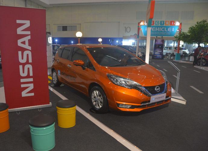 Nissan di PLN-BCA Expo