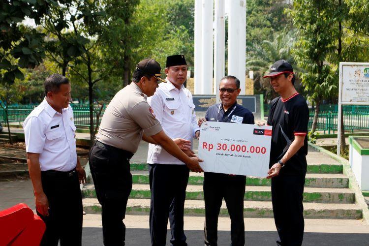 Karyawan DBS Indonesia, tanam pohon di Bekasi