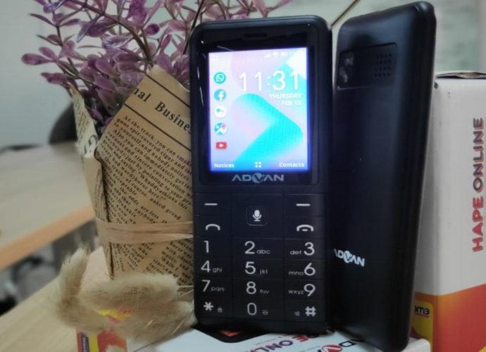 Telepon fitur Hape Online keluaran Advan-Indosat Ooredoo