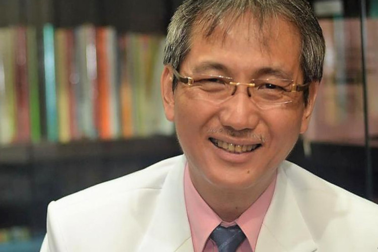 dr Michael Triangto