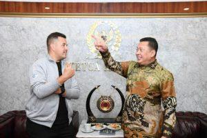 Rifat Sungkar dan Bambang Soesatyo bicara soal otomotif