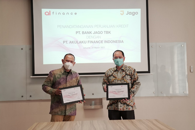 penandatangan kerjasama Akulaku Finance dan Bank Jago